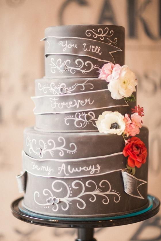 Artist Chalkboard Inspired Wedding - photo by Gideon Photography http://ruffledblog.com/artist-chalkboard-inspired-wedding
